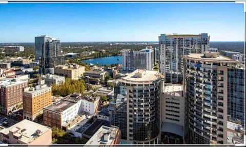 Incredible views Downtown Orlando: Private room