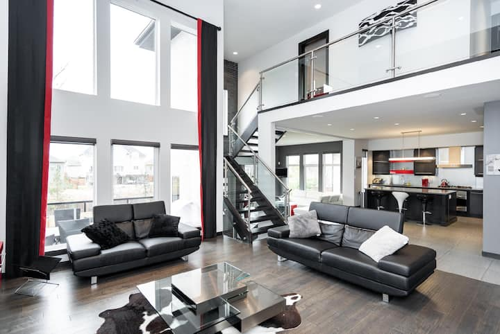 Award Winning | Pure Luxury | 4 Bdr | South Wpg