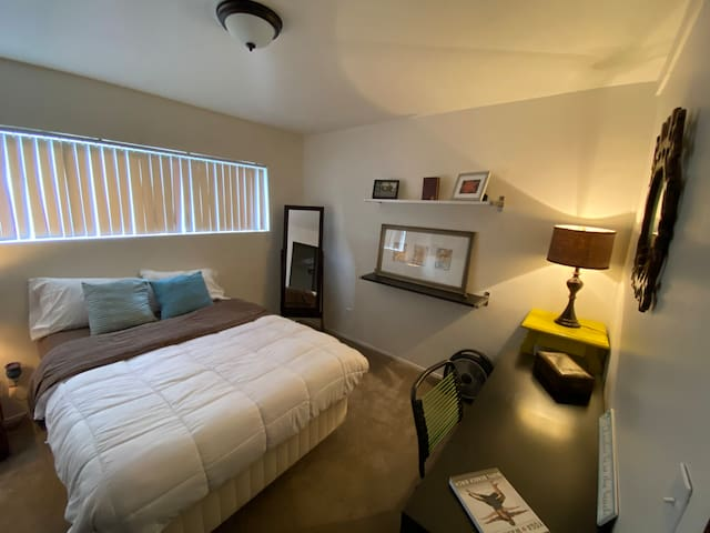 Best Value and Location in El Cajon Room #2