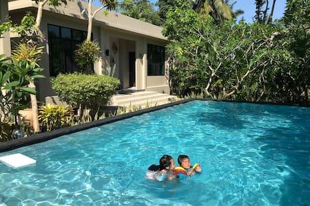 Tropical Beach House in the Gulf of Thailand