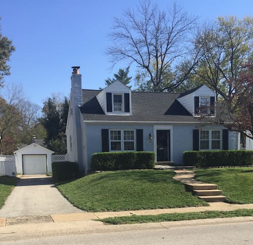 Charming 3 bedroom home in Ladue - St. Louis - Ház