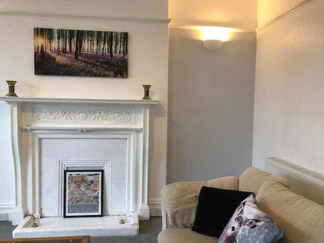 Lovely 2 bed apt near Fairhaven and Royal Lytham:)