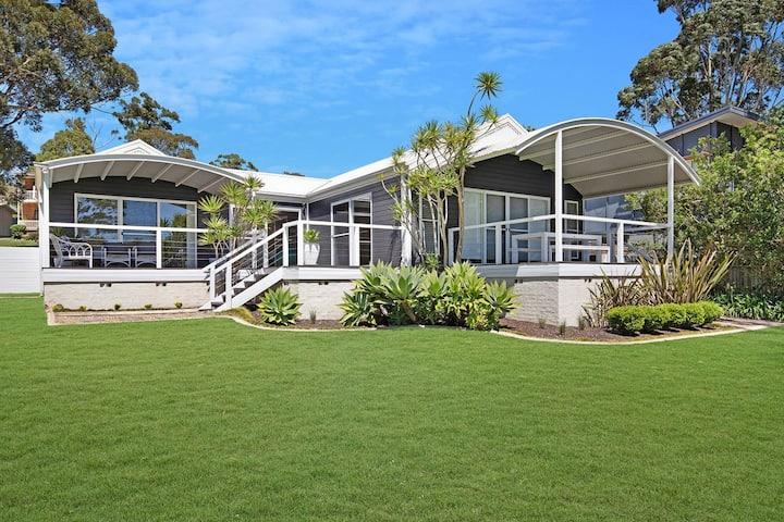 Akarana Beach House :: Jervis Bay Rentals
