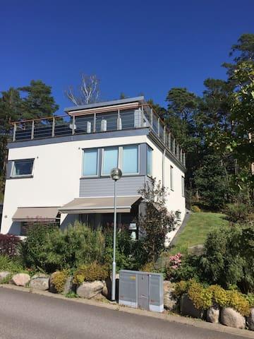 Funkisvilla i tre plan med havsutsikt - โกเธนเบิร์ก - บ้าน