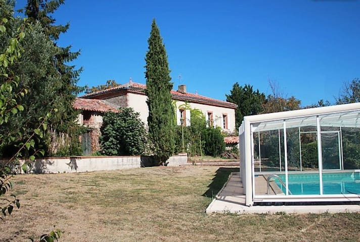 Maison de vacances avec piscine couverte privative