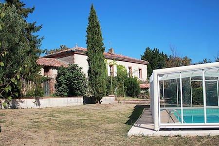 Maison de vacances avec piscine couverte privative
