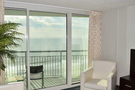 Central_Luxury2B/Oceanfront/Quiet/heated Pools/Gym - Myrtle Beach - Condominium