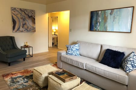 New 2 Bedroom Apt Close to Hershey/Harrisburg