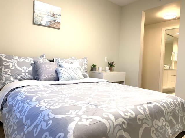 Master bedroom, private bathroom, near skytrain