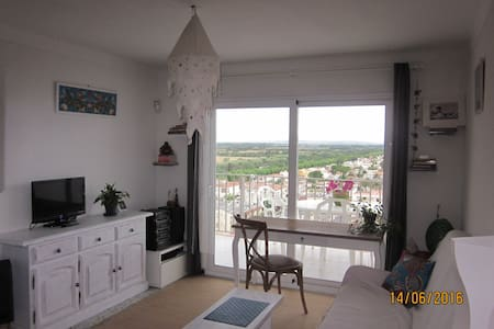 Nice flat, wonderful view at 50 mt from the beach - Empuriabrava - Wohnung