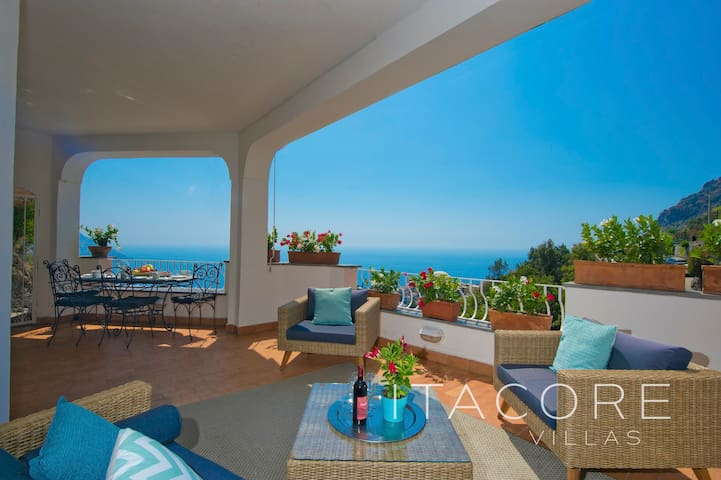 Breathtaking Sea Views, Parking, and Shared Pool