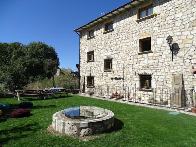 Casa Rural 3* El Escaramujo | Consultar Disp.
