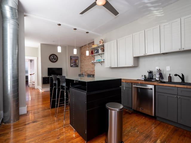 Stunning Spacious Home In Downtown Cincinnati OTR