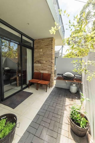 Cosy Broulee Beach unit
