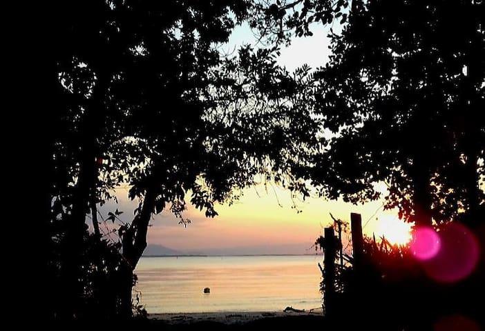 Kaissara Artesanal - Pousada e Hamburgueria - Ilha do Mel - Bed & Breakfast