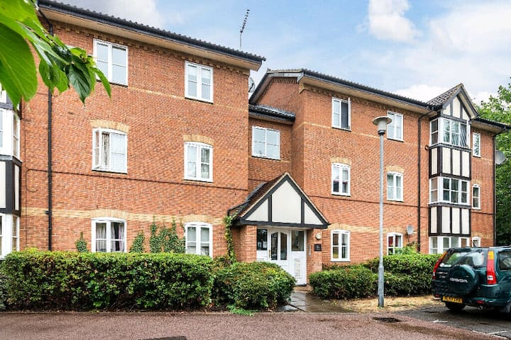 TWO BEDROOM FLAT IN THE NORTH OF LONDON
