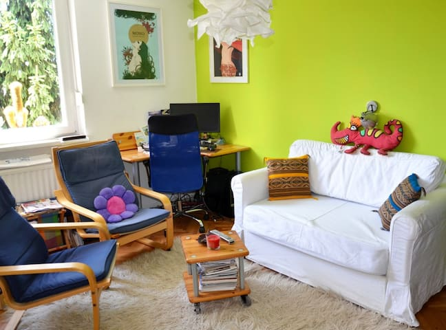 Cozy colorful apartment, free bikes/parking - Ljubljana - Apartemen