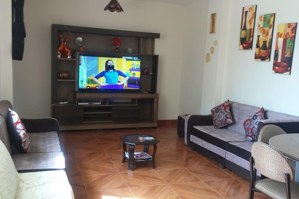 SALA CON TV SMART