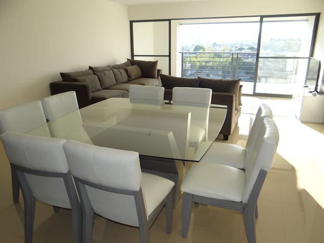 New Apartment Modern at City Center - Guadalajara - Apartamento