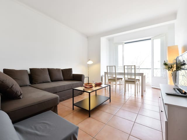 Apartment close to the beach in Antibes - W368