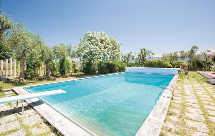 Holiday cottage with 5 bedrooms on 280m² in Briatico