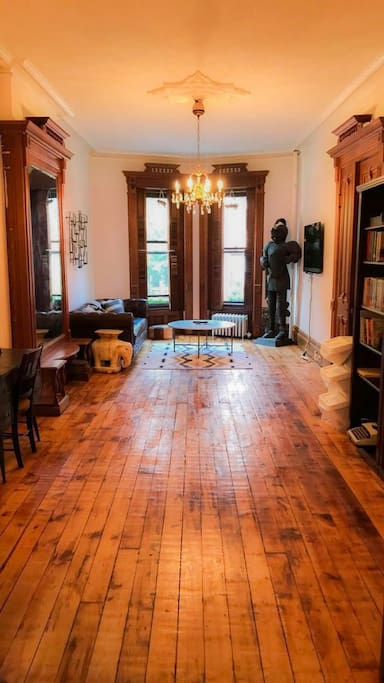 Full Parlor floor of historic Brownstone / space for air mattress