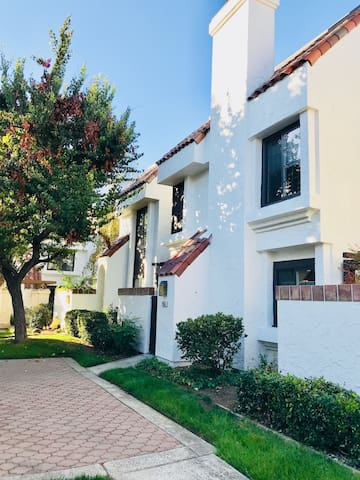 Double Suite Townhouse in Cupertino