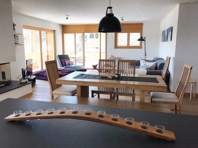 Ski in luxury modern flat for 8. Four Valleys 1850