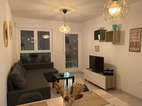 Central modern and clean 1 bedroom apartment