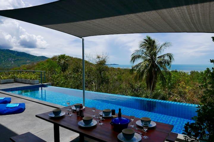 Beautiful tropical Seaview Pool Villa Philippa car