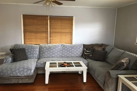 2 BR House - Quiet yet close to town