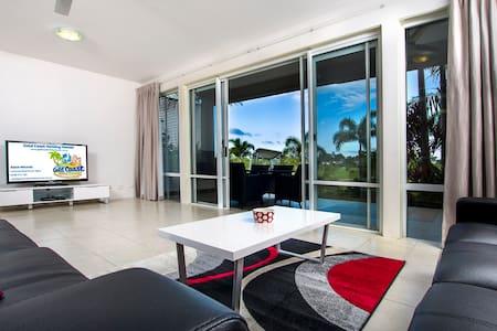 Palm View - Sanctuary Cove - Apartmen