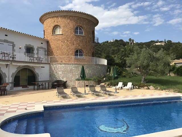 Villa Mirador - villa with sea view and private pool, ideal for groups