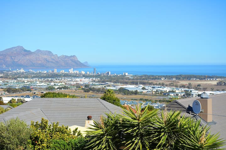 Heldervue Guest Suite with Panoramic Views - Cape Town - Misafir suiti