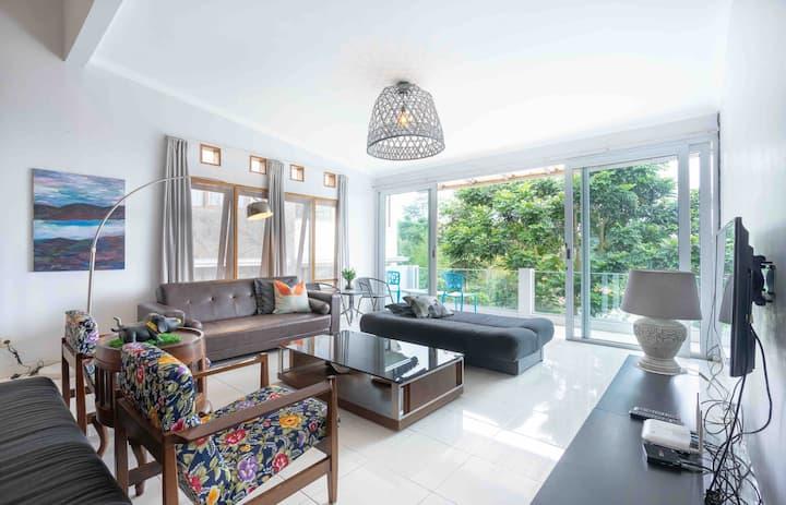 Villa Mila - 8 min to Mercusuar Dago Pakar Bandung