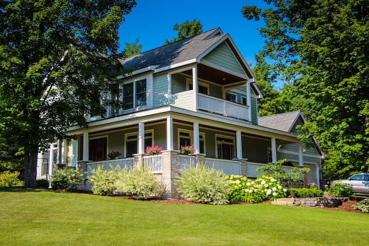 Suite Dreams Air B&B of Suttons Bay (Entire Home)