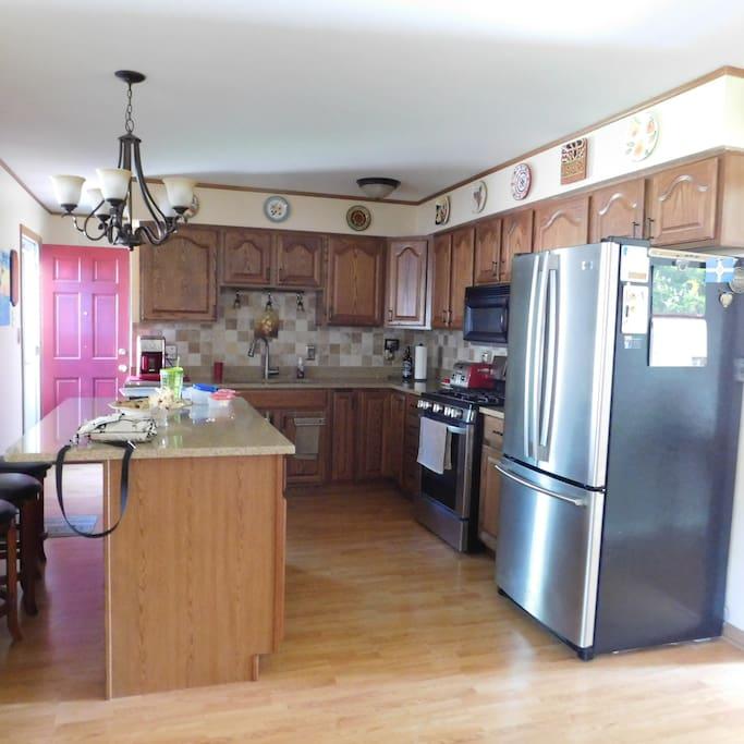 Shared kitchen/dishwasher