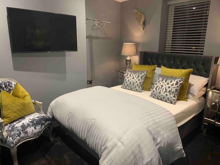 Brighton Rock - Egremont House Room 2