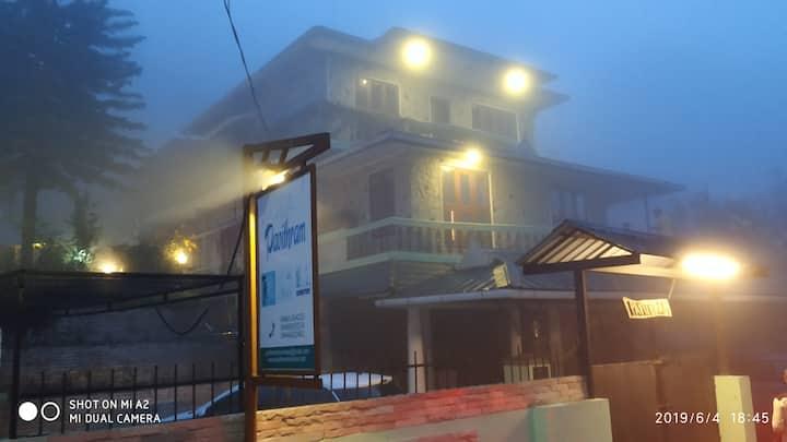 Beautifully situated Five Room Villa at Munnar