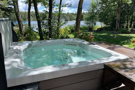 Ty-Llyn - Lakeside Spa Retreat