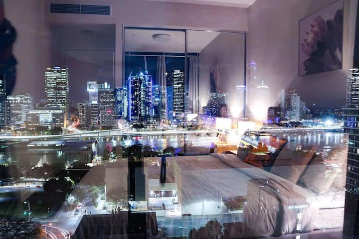 Panoramic view of the river | South Bank best APT