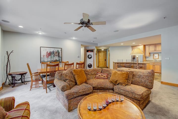 Plenty of seating for everyone - whether you are at the kitchen bar, sitting at the dining room table, or relaxing on the big comfortable couches.
