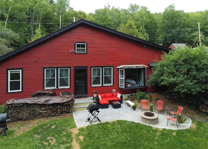 Cozy cabin by Mountain Top Inn and Killington