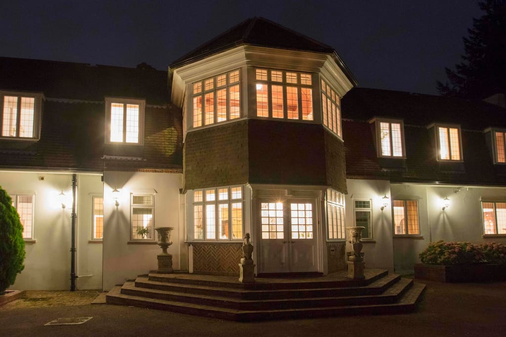 Wonderful nocturnal splendour at Sunningdale Manor