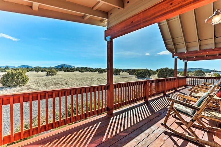 This beautiful cabin boasts unobstructed views of the landscape!