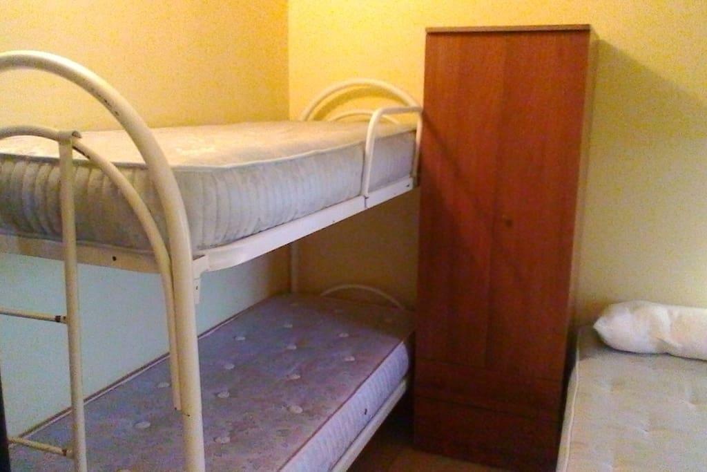 entrando a sinistra letto a castello