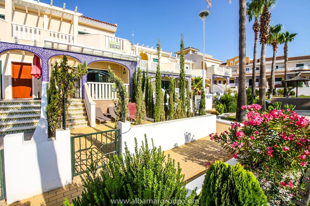 ciudad quesada mature dating site Best guide and information for the town of ciudad quesada on the southern costa blanca spain including where to go and what to see.