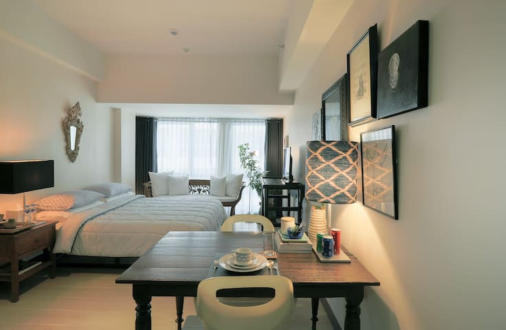 Beautiful & Chic studio in Makati you will LOVE!