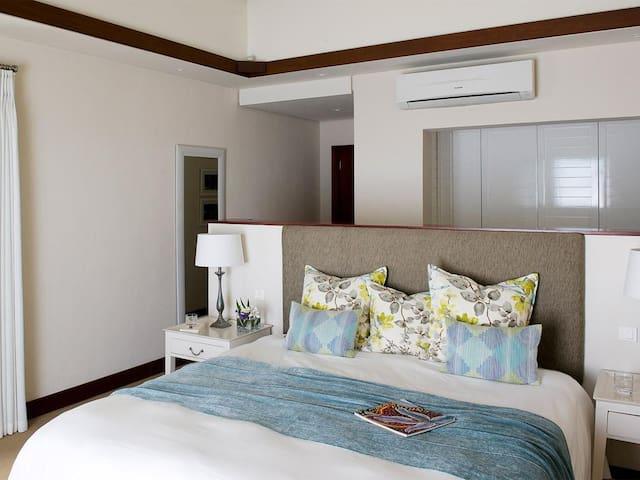 3 Bedroom villa - Golf  Sea View - Bel-Ombre - Casa de camp