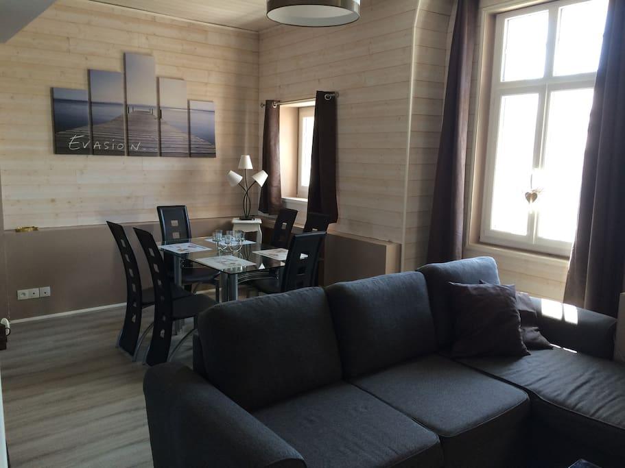 beau studio meubl refait neuf flats for rent in berck. Black Bedroom Furniture Sets. Home Design Ideas